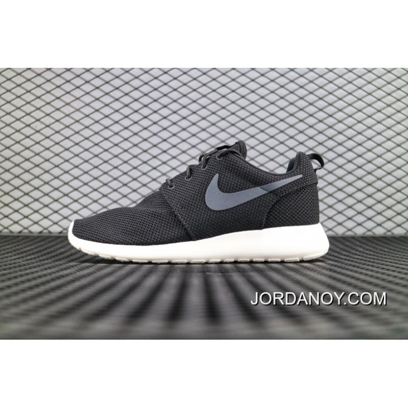 official photos b2f23 10113 Nike ROSHERUN London Running Shoes Oreo SKU 511881 010 Women Shoes And Men  Shoes Couple 2018 Super Deals